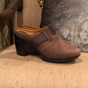 NEW Cole Haan Nike Air brown suede leather clogs 8
